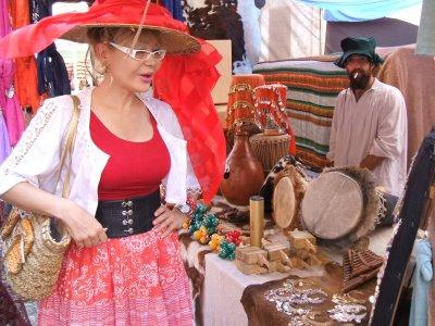 Manuela Trasobares visitó la Feria Madieval de Montanejos